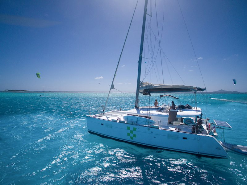 Kiteboarding Cruise: The Grenadines