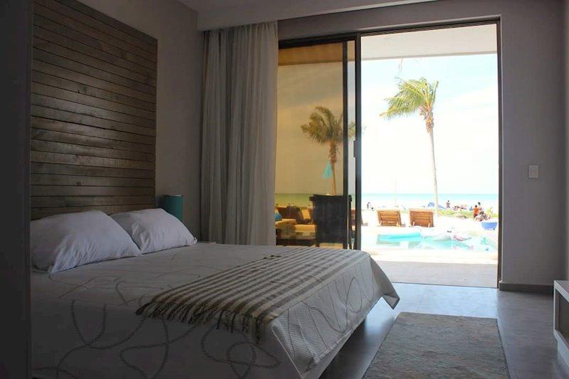 El Cuyo Beach Hotel